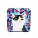 Svartvit katt med blå blommor (burk)